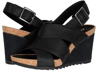Clarks Flex Sand (Black Leather) Women's Shoes