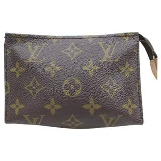 Louis Vuitton \N Brown Suede Clutch bags