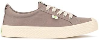 Cariuma OCA low mystic grey canvas sneakers