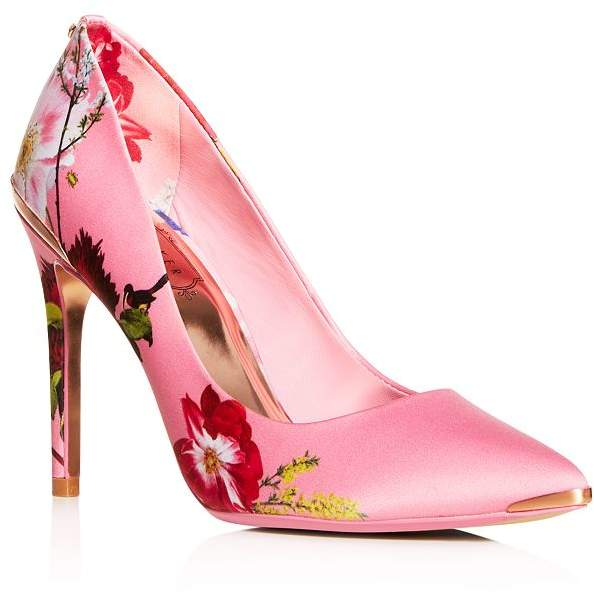 436460c99769d Women's Izbelip Floral Pointed-Toe Pumps