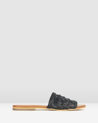 betts Venice Woven Leather Slides