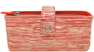 Chanel Red/White Patent Leather Accordion Clutch