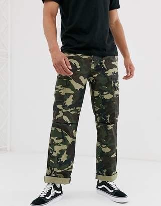 Dickies New York cargo trouser in camo-Green
