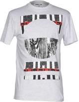 McQ T-shirts - Item 12014222