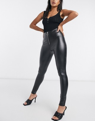 Parisian faux leather leggings with ring zip pull in black