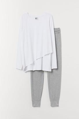 H&M MAMA Nursing pyjamas