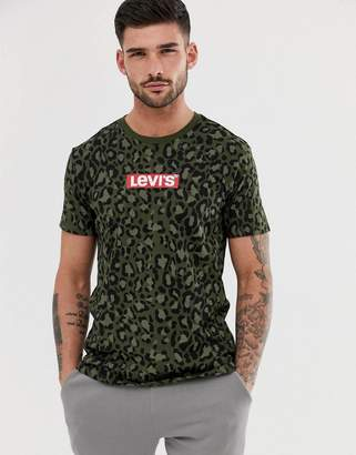 Levi's boxtab logo all over camo print t-shirt in green