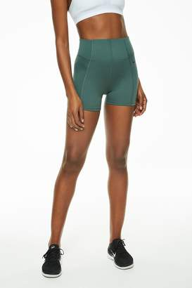Nike Dry Short Vinyasa Flow