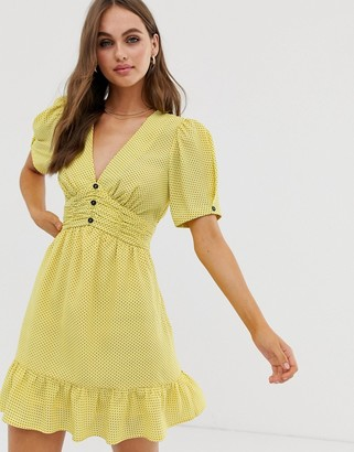 Moon River twist sleeve v-neck dress with ruffle-Yellow