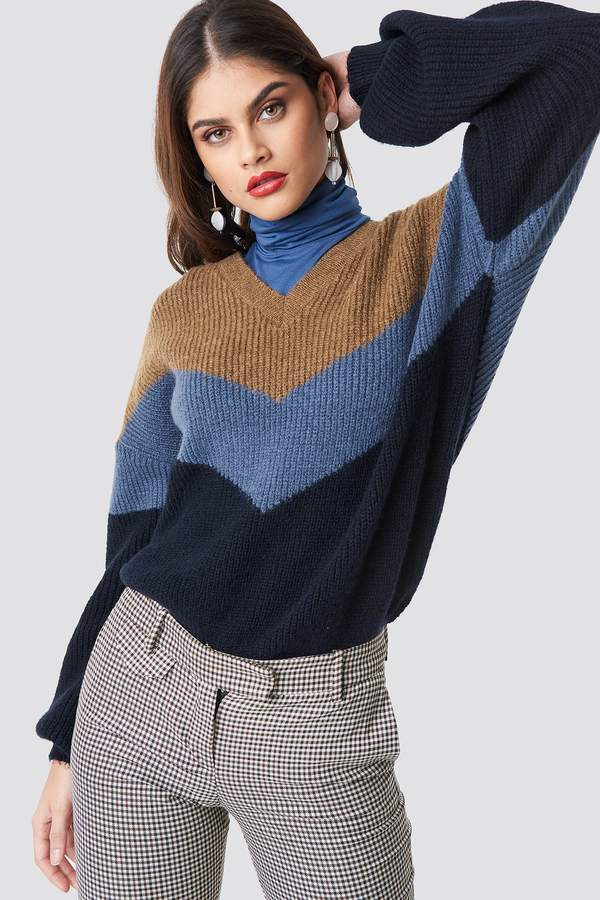 Na Kd Trend Color Blocked V-neck Knitted Sweater