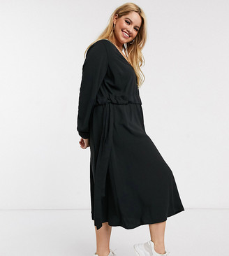 ASOS DESIGN Curve v neck ruched waist chuck on midi dress with long sleeves in black
