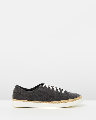 Vionic Hattie Sneakers