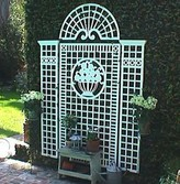 The Well Appointed House Four Piece Trellis Set with Basket