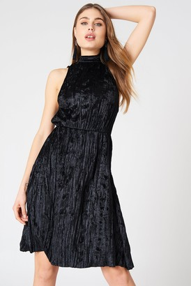 NA-KD Pleated Velvet High Neck Dress