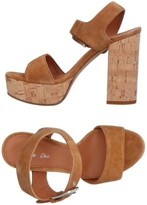 Julie Dee JD Sandals - Item 11355425BP