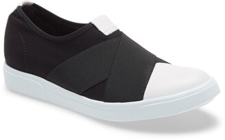 Munro American Anjela Slip-On Sneaker