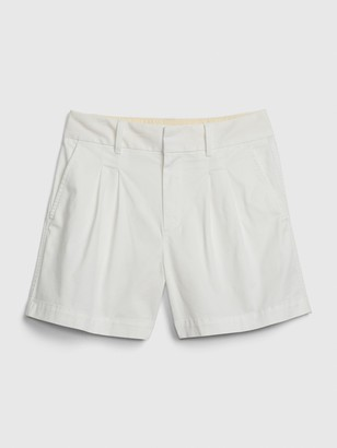 """Gap 5"""" Pleated Khaki Short"""