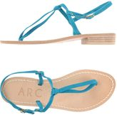 Arc Toe strap sandals