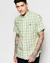 Fred Perry Shirt in Plaid & Gingham Check Short Sleeves in Slim Fit