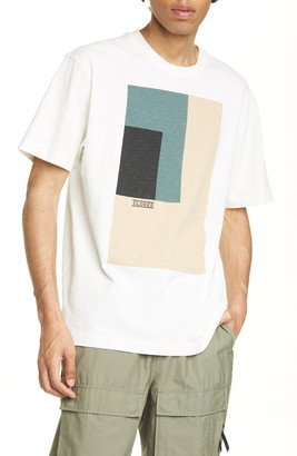 Closed Abstract Graphic Tee