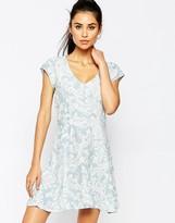Motel Julia Dress In Paisley Print