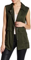 Cupcakes And Cashmere Collared Front Zip Sleeveless Vest