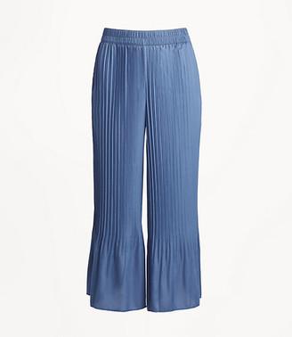 LOFT Pleated Wide Leg Crop Pull On Pants