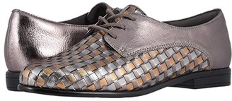 Trotters Lizzie (Black Woven/Smooth Leather) Women's Slip on Shoes