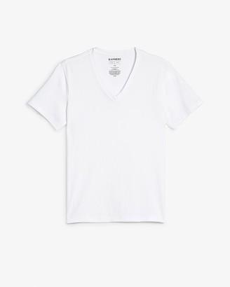 Express Supersoft Moisture-Wicking V-Neck T-Shirt