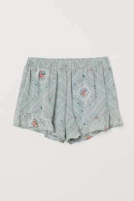 H&M Frill-trimmed chiffon shorts