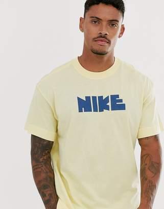 Nike logo t-shirt in yellow