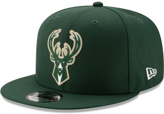 New Era Men's Hunter Green Milwaukee Bucks Back Half 9FIFTY Snapback Hat