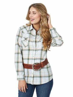 Wrangler Women's Retro Long Sleeve Western Fashion Snap Shirt