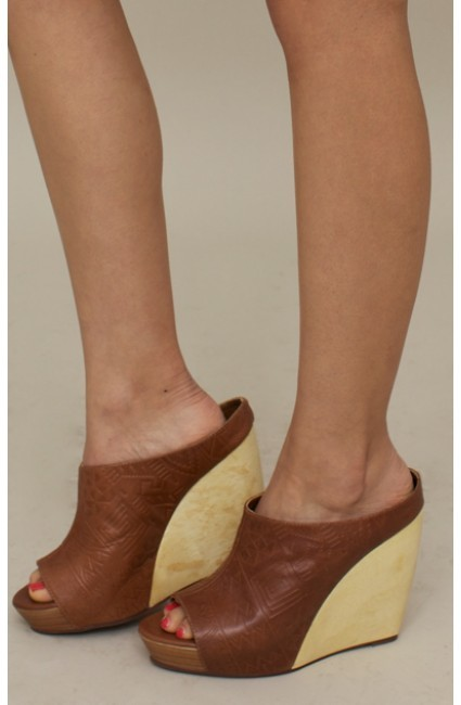 Twelfth St. By Cynthia Vincent by cynthia vincent Embossed Peep Toe Slider
