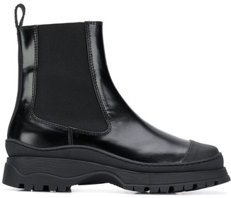 Nicole Saldaña Chelsea boots
