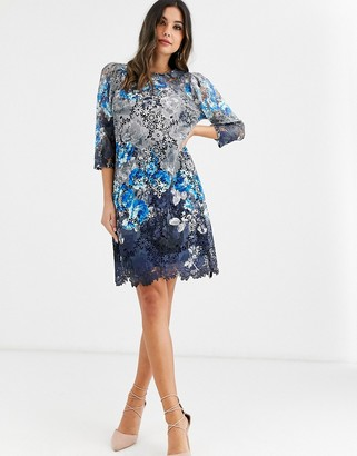 Paper Dolls lace 3/4 sleeve shift dress