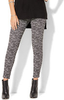 New York & Co. 7th Avenue Design Studio - Pull-On Legging - Black & White