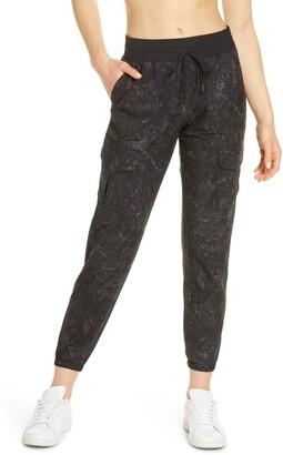 Zella Getaway Cargo Pants