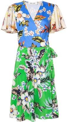Diane von Furstenberg contrast print wrap dress