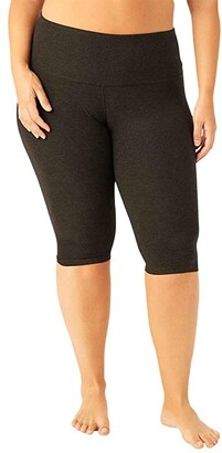 Beyond Yoga Plus Size High-Waisted Pedal Pusher Leggings (Darkest Night) Women's Casual Pants
