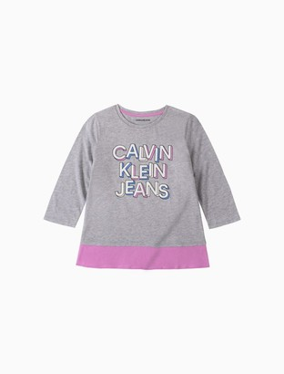 Calvin Klein Girls Block Logo 3/4 Sleeve Peplum Hem Tee