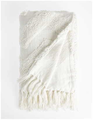 Vue Osiris Knit Throw with Tufting in Off White: