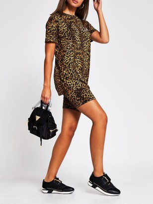 River Island Turnback Sleeve Branded T-shirt - Leopard Print
