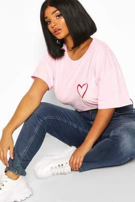 boohoo Plus Heart Pocket Print T-Shirt