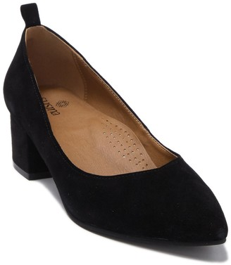 Susina Edith Block Heel Suede Pump