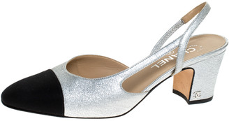 Chanel Silver Leather and Black Fabric Cap Toe Slingback Sandals Size 39.5