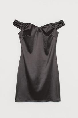 H&M Short Off-the-shoulder Dress - Black