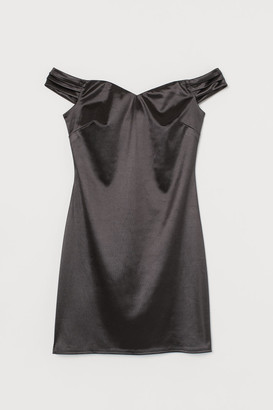 H&M Short off-the-shoulder dress
