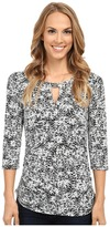Vince Camuto 3/4 Sleeve Petite Dabs Keyhole Top w/ Hardware