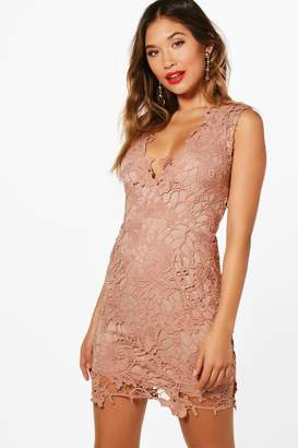 boohoo Boutique Lace Scallop Detail Dress
